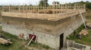 Особенности технологии строительства домов из арбомонолита